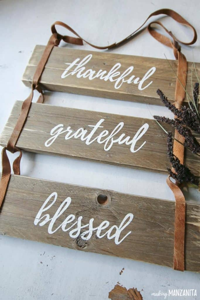 DIY Fall Decor Projects - Fall Pallet Wood Sign