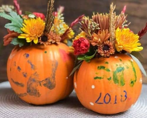 fall decor diy - two pumpkin vases with florals